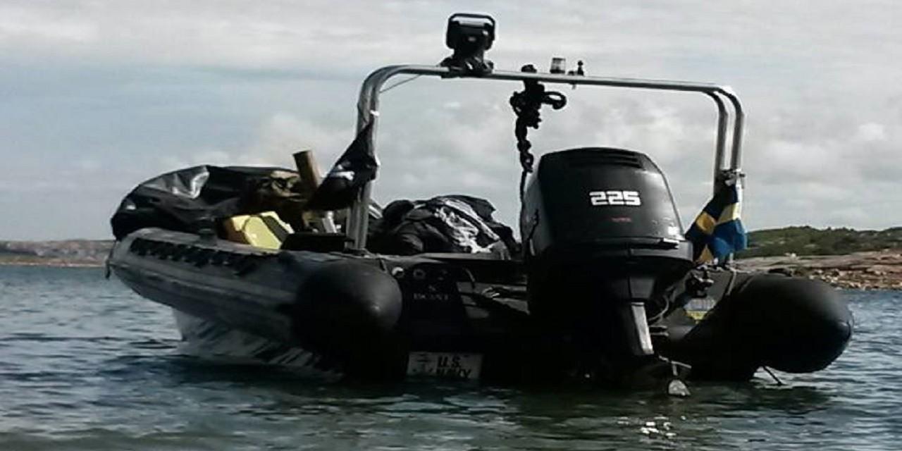 Taxi/följebåt